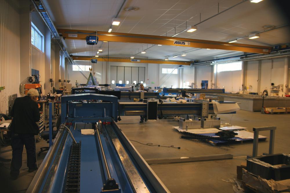 Wasserstrahlschneidanlage-Produktionshalle